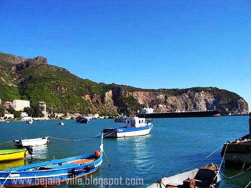 Photo prise à partir du nouveau quai du port de pêche ...